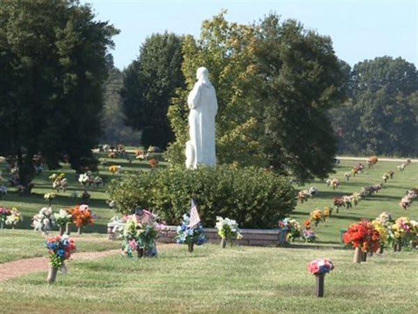 Beau Polk Memorial Gardens