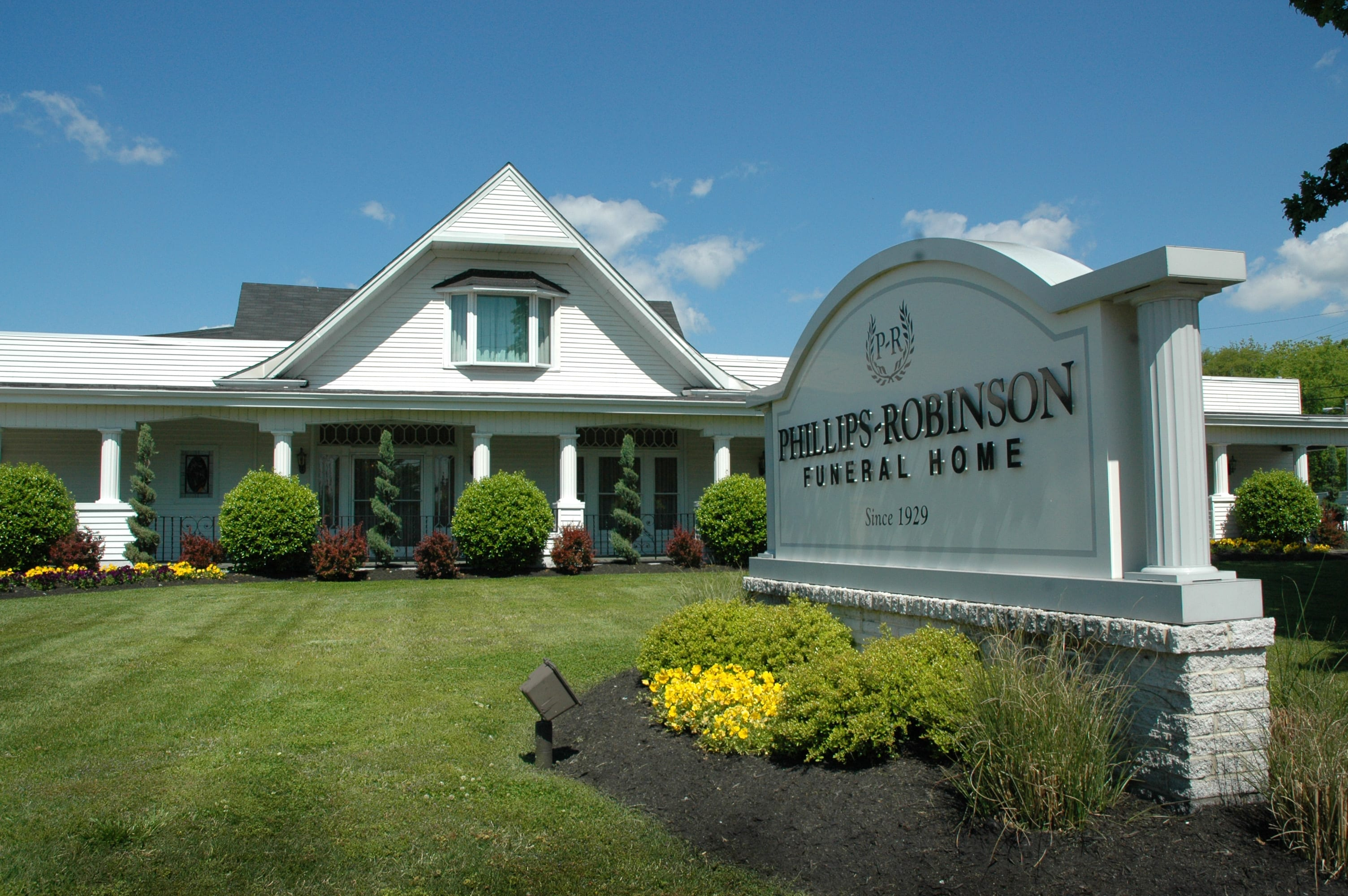 Phillips-Robinson Funeral Home - Nashville, TN