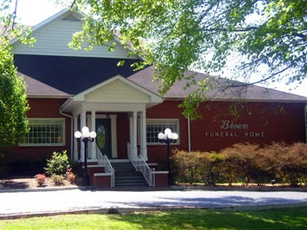 R D  Brown Funeral Homes - Mayfield, Clinton, & Wingo KY