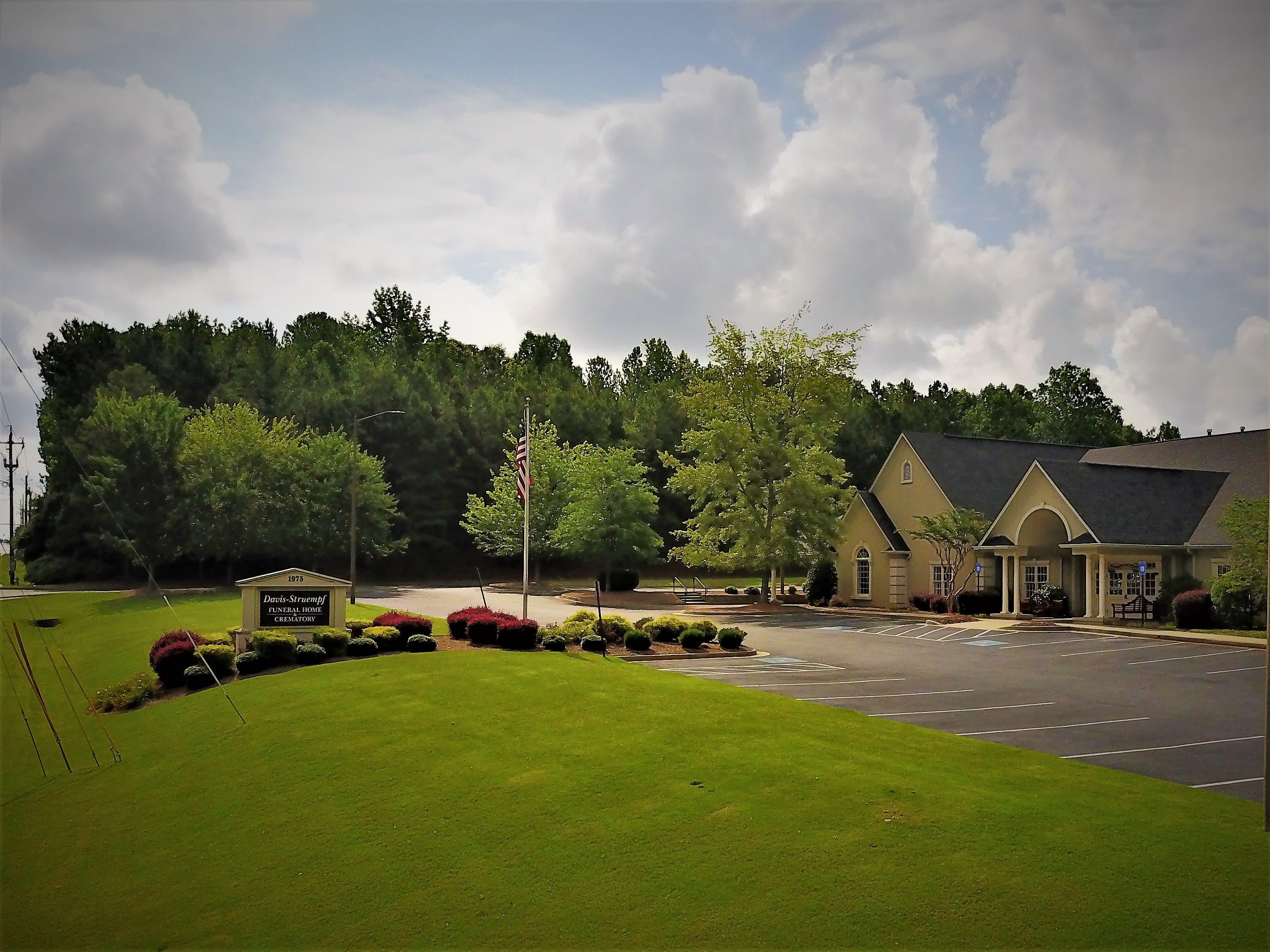 Funeral Home & Cremations Hiram, GA | Davis-Struempf Funeral