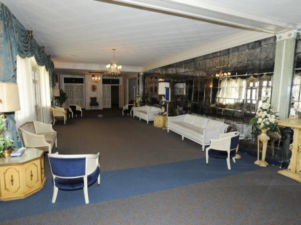 Facilities Directions Mothe Funeral Home Algiers La