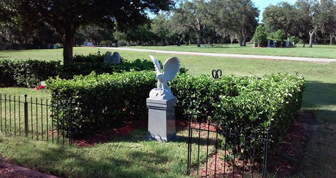 Cemetery cremation sunset funeral home memory gardens fl thonotosassa fl for Sunset memory garden funeral home
