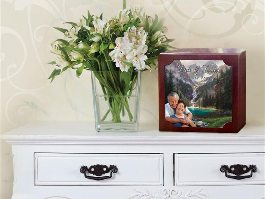 Urns & Cremation Keepsakes