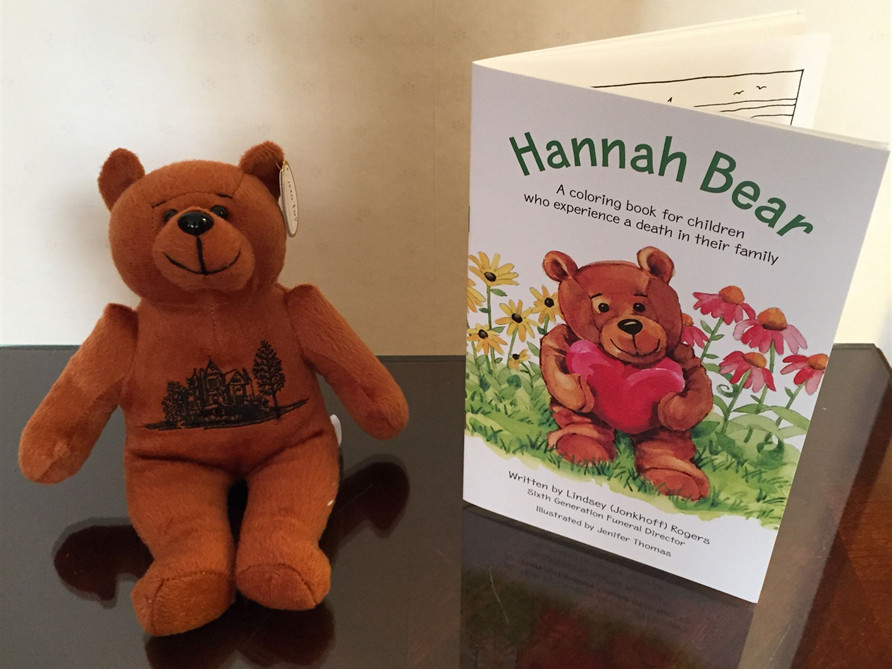 Hannah Bear - A coloring book for children