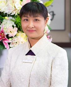 Esther  Yip