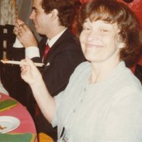 Mrs Elizabeth T  Reynolds