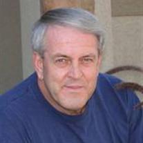 Daniel R Huch