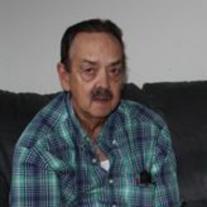 Pete Fernandez