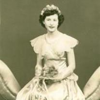 Helen  Gunther (Jelena Kozkarov)