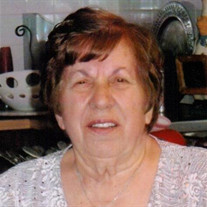 Stella Kadras