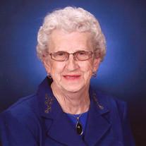 Estella Loween