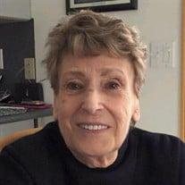 Maxine Stachnik