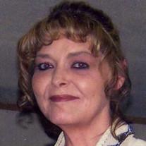 Laura  Earles