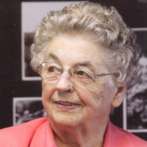Doris Mae Holstad