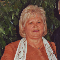 Anna  Benusik