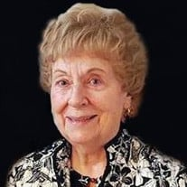 Marion M Menditto