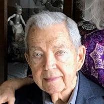 Julio E Marty