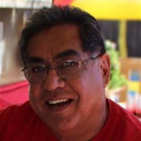Salvador  Santos