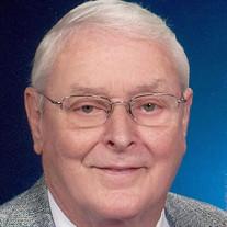"""Harold """"Hawkshaw"""" Holcomb"""