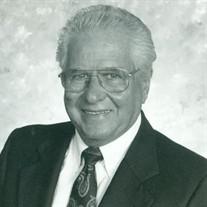 Hector  Vila Sr