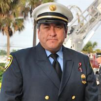 Bobby  Davalos