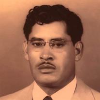 Cruz  Olivas