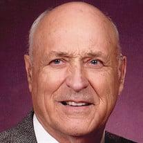 Everett Holstein