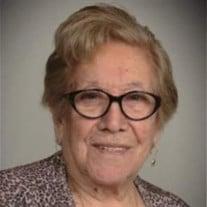 Ernestina C Perez