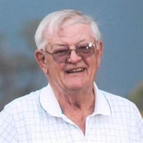 Lowell Hoellrich
