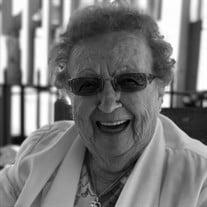Maxine Naomi Lucas