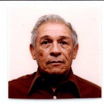 Fausto B Cruz
