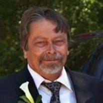 Robert J Taryani