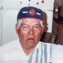 Roberto E. Luna