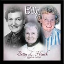 Betty Lorraine (Lockart) Houck