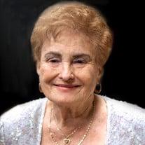 Delia T Hernandez