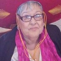 Lupe Flores