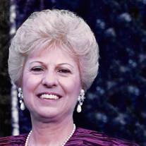 Evelyn Dovas