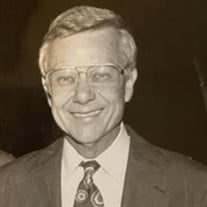 "Robert ""Bob"" Gray McKelvey"