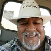 Robert E Salinas