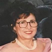 Lydia Flores
