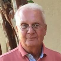 Robert Val Moore
