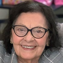 Evelyn T Dambra