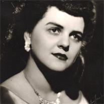 Estelle Folkert
