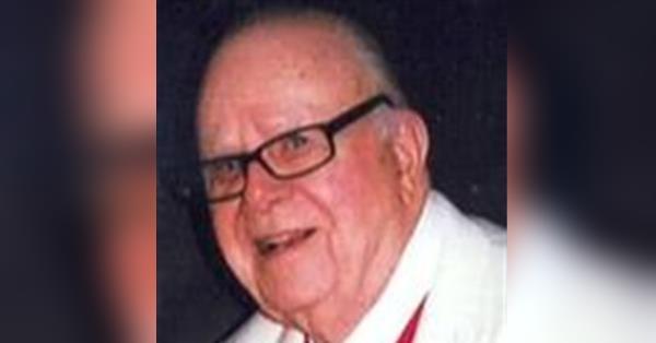 Dr  William M  Hutchinson, Sr  Obituary - Visitation