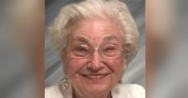 Lilian Marlene (McHardy) Laszlo Obituary - Visitation